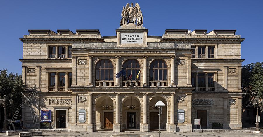 Teatro Vittorio Emanuele Esterno