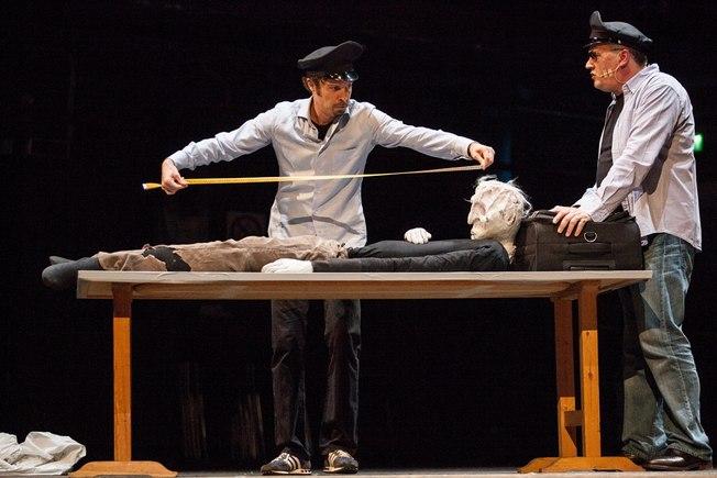 """Foto - """"Suicidi?"""" Tangentopoli in commedia - Teatro Vittorio Emanuele"""